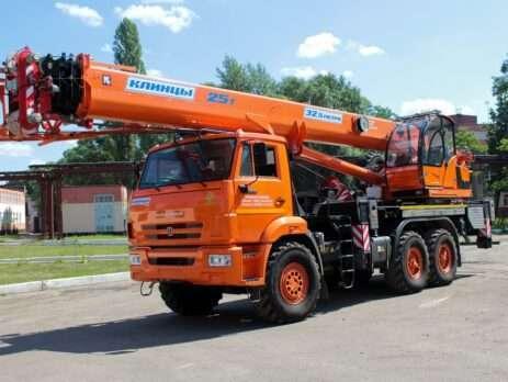 Заказать автокран 25 тонн в Калининград